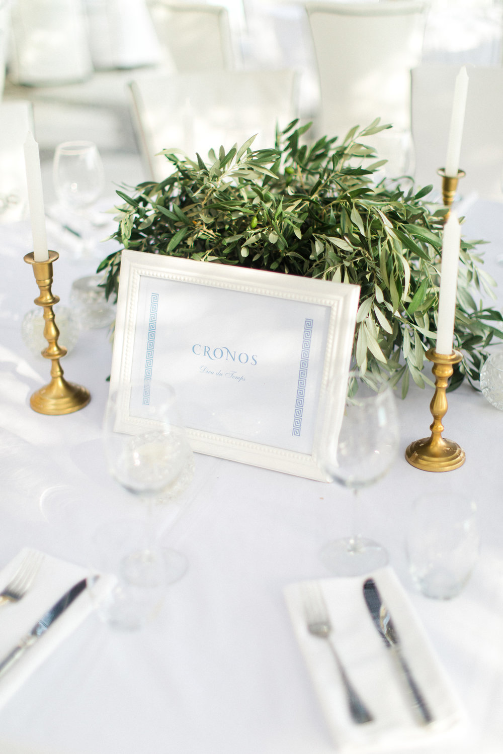 wedding-greek-theme-mythology-table-numbers-meandrous-table-arrangements-olive-branches-event-planning-silkentile-firm-royal-imperial-myconian-collection