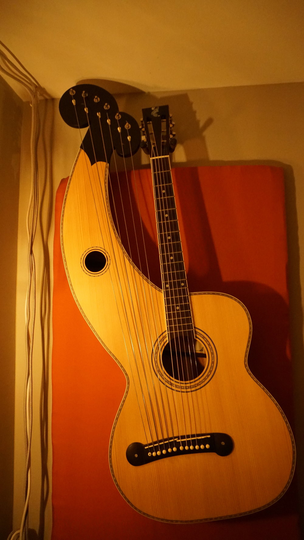 Holloway Harp Guitar