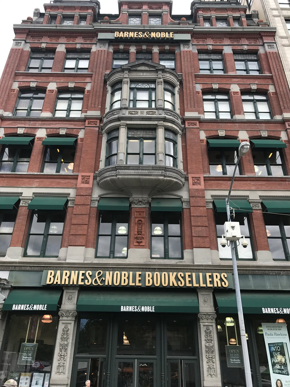 Barnes & Noble - Architect: Henry Abderhalden Architect33 East 17th Street