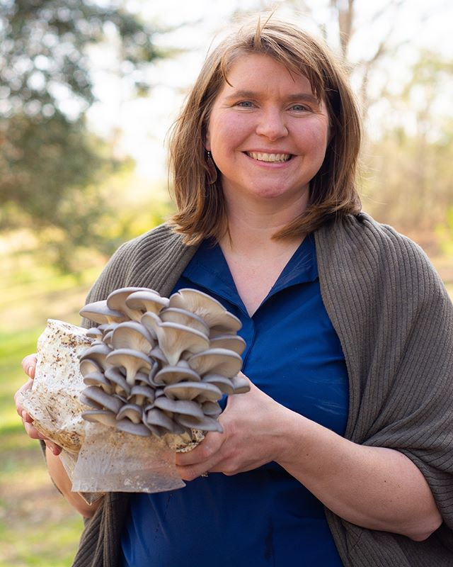 🍄Mushroom Log Demonstration🍄workshop is LIVE on our website!🔎We are so excited to host @hawrivermushrooms in March!✨Join Laura Stewart to learn how to inoculate mushroom logs for outdoor growing. Space is limited! Registration is $35 & includes an inoculated shiitake log, done in class. Thursday, March 21st 6.30-8pm. More info on our website! 🔎🍄✨🐌
