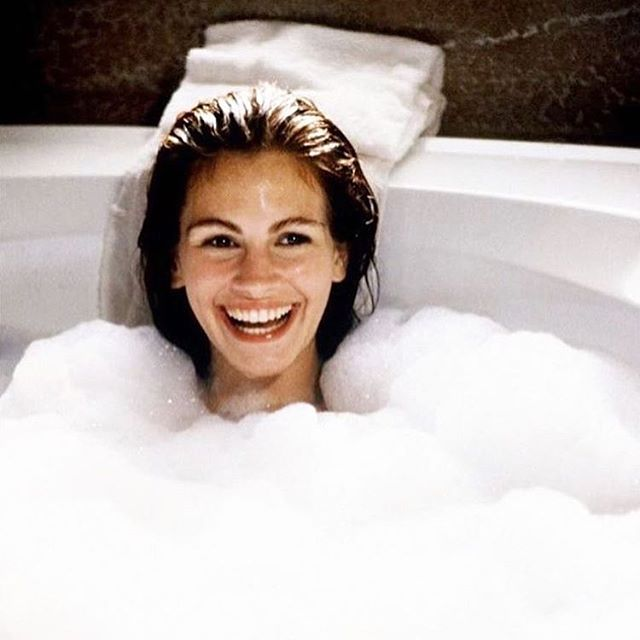 On Sundays, we bubble bath. @byrdiebeauty . . . #girls #feminism #fempower #bubblebath #bubbles #bathroom #bathroomgoals #bathtub #sunday #goals #juliaroberts #girlpower #women #periodsbelike #period