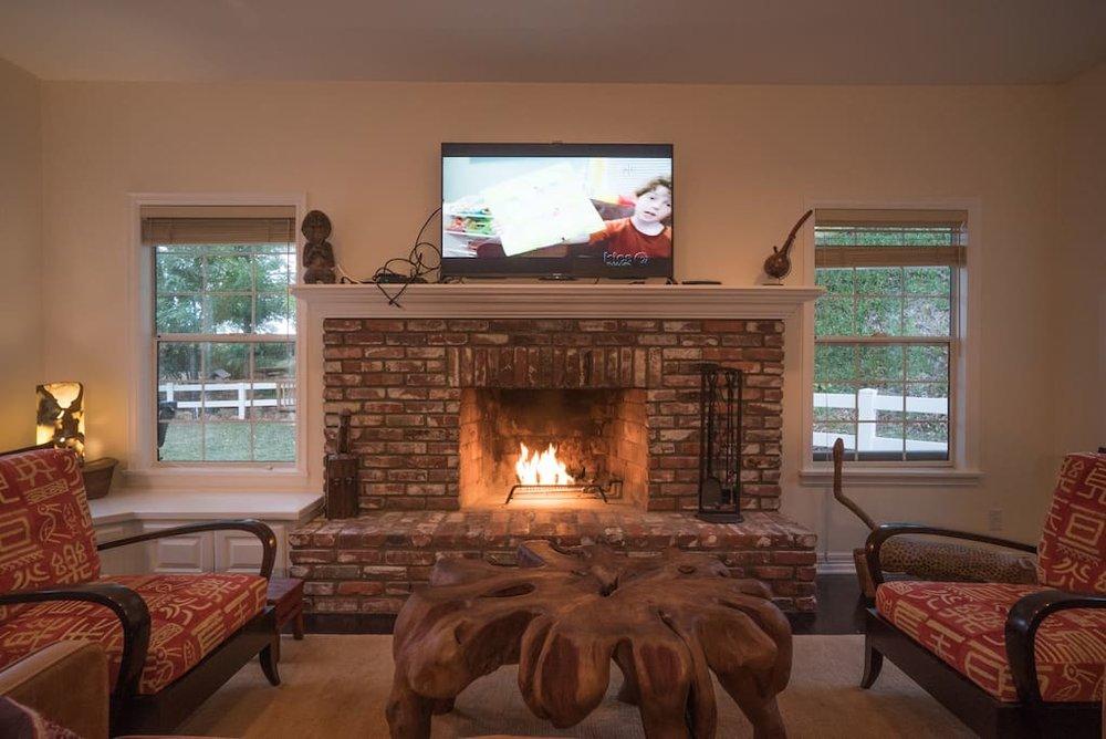 ojai fireplace.jpg