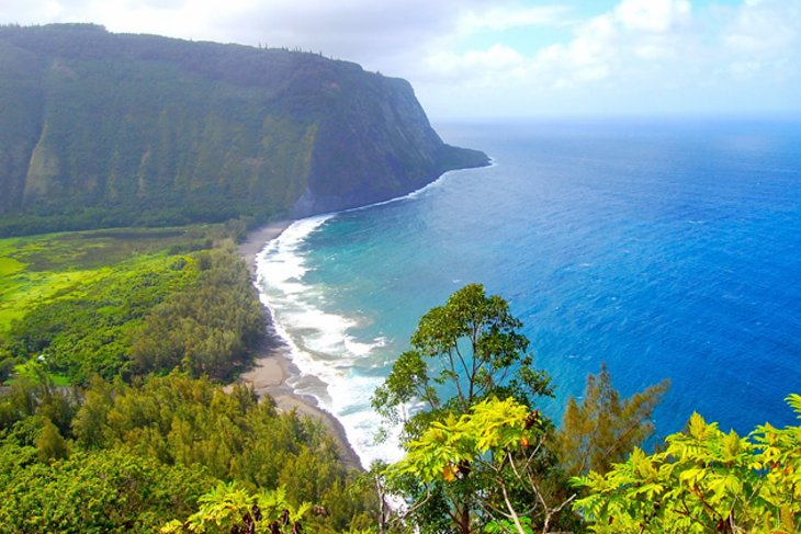 hawaii-big-island-waipio-valley.jpg