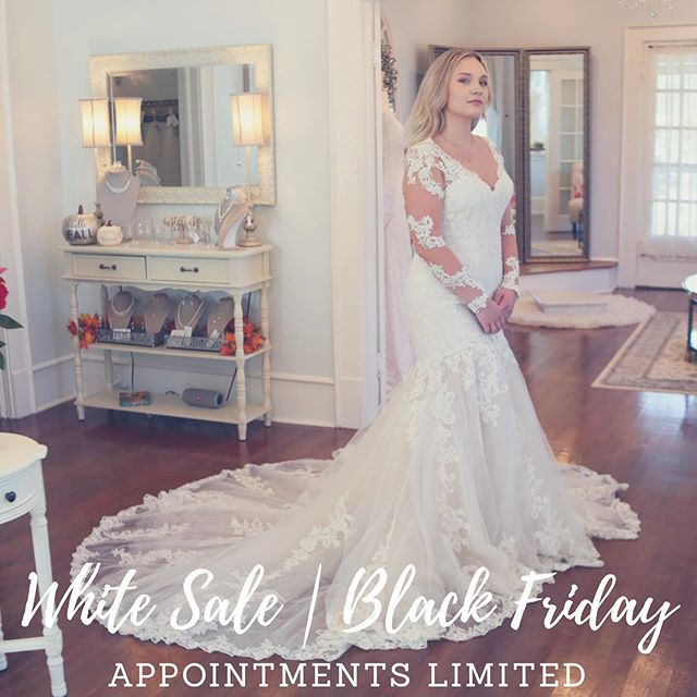 Have you made your appointment for our White Sale | Black Friday event?! It's going to be amazing with discounts on top of our Love at First Sight incentive! Call now 🎉