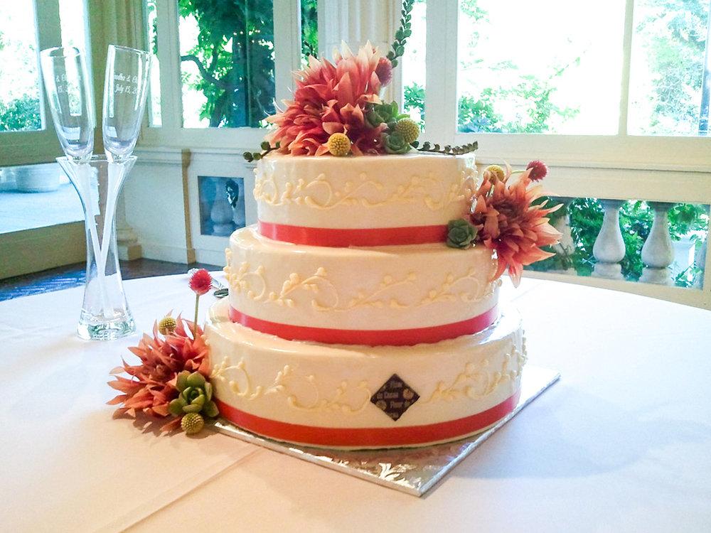 wedding cake Montalvo.jpg