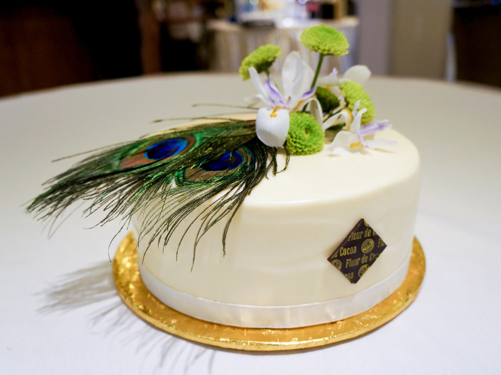 Wedding cake Satin med.jpg