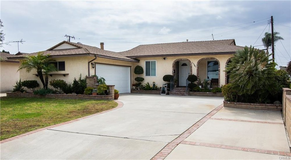 IN ESCROW // 11781 MAC GILL ST, GARDEN GROVE, CA 92841  3 BEDROOMS // 2 BATHROOMS // 1815 SQFT