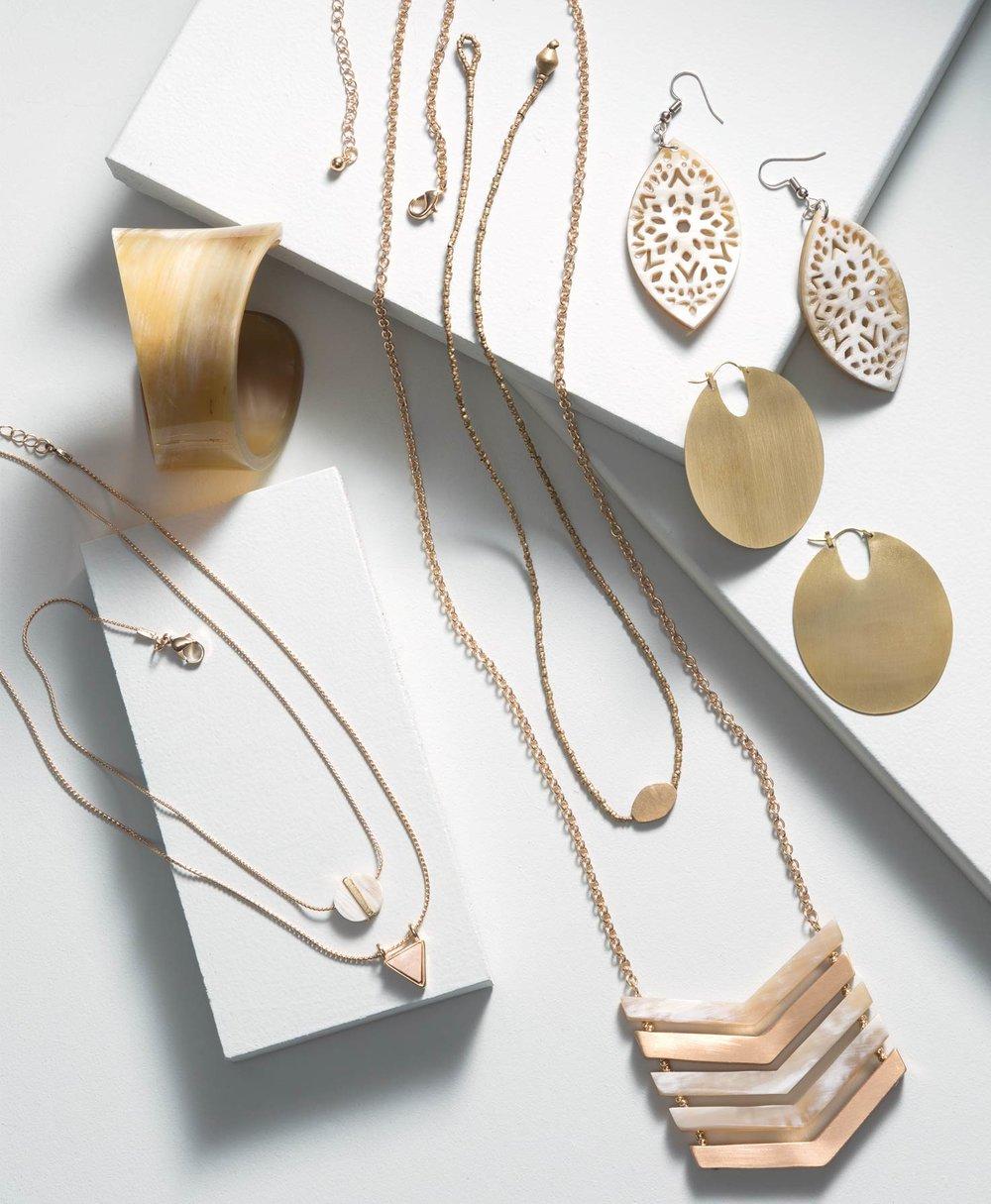 geo-necklace,-triangle-alt2.jpg