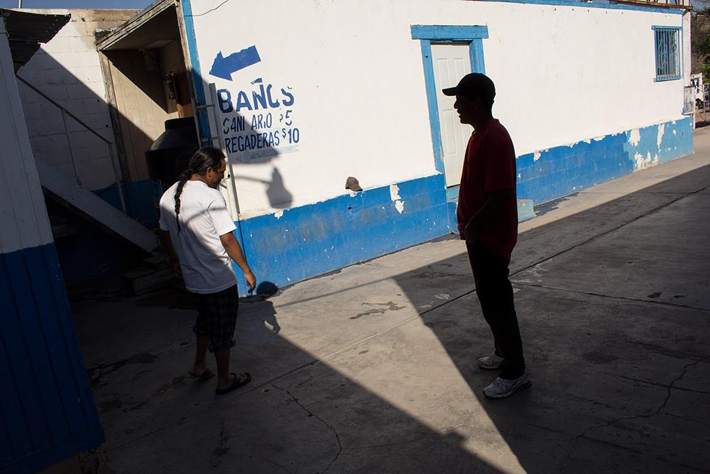 RolandoPalacio_Nogales_Sonora_Mexico_AShadowOfLight_2013.jpg
