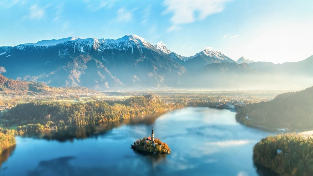 Three Romantic European Lakes That Will Make You Fall in Love