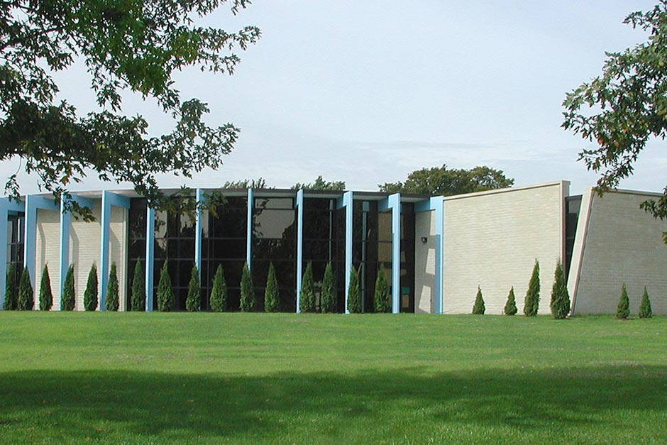 Notre Dame Exterior-2x.jpg