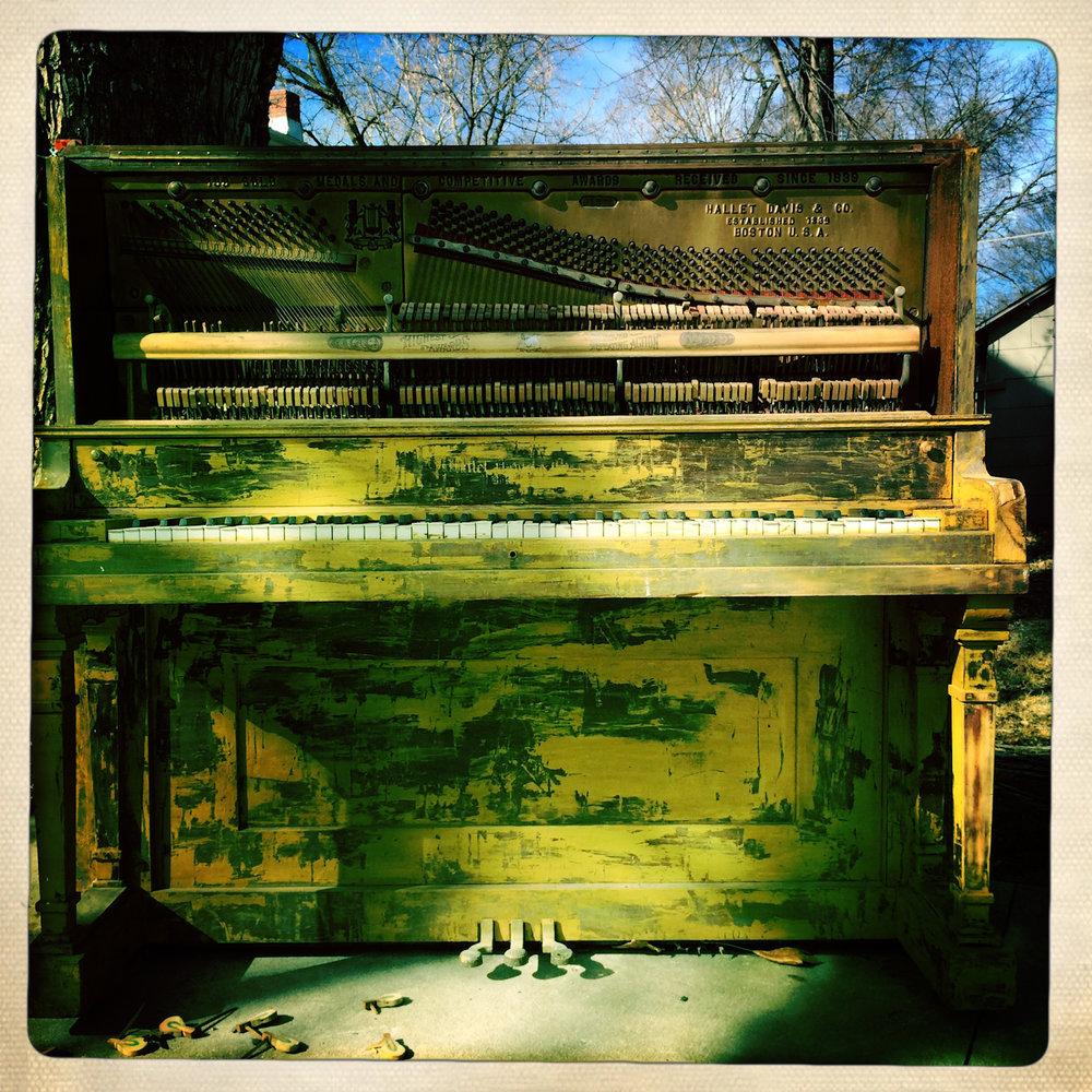 Piano-10.jpg