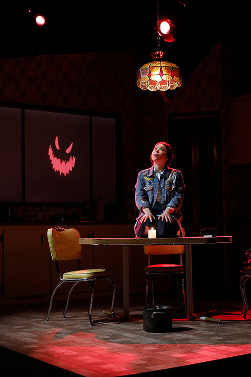 FEATHERS AND TEETH   Projected animation on 2D and 3D surfaces in live theatre