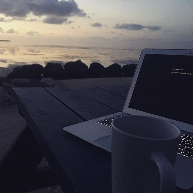 Watching the sunrise in Marathon, FL as I do a little bit of writing. Although it's my time staying in the Keys, I feel like I know it because of reading Carl Hiaasen and @wayne.stinnett books. Maybe I'll run into Jesse McDermitt (one of my favorite fictional characters) today.