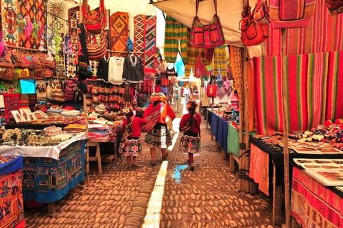 Pisac market.jpg