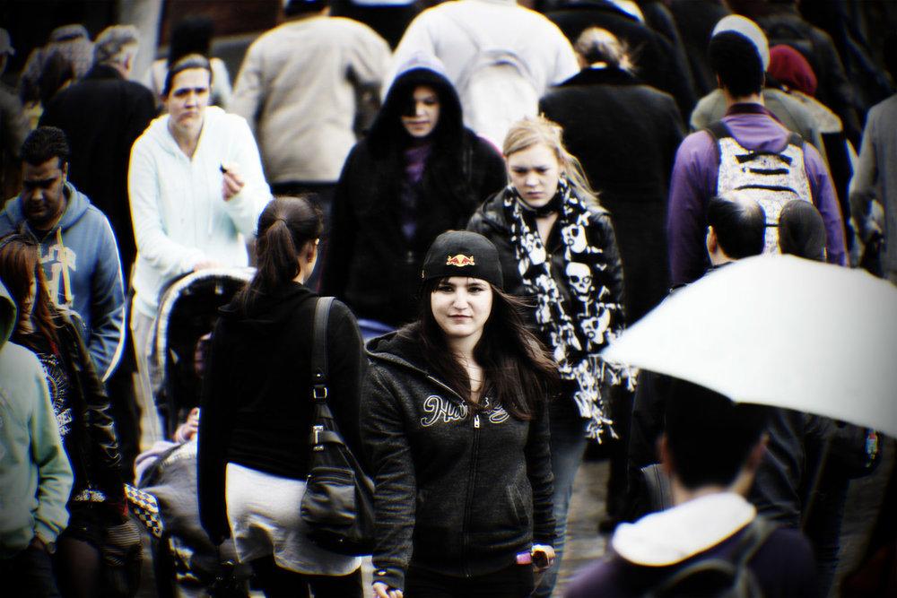 Munro_crowds_007.jpg