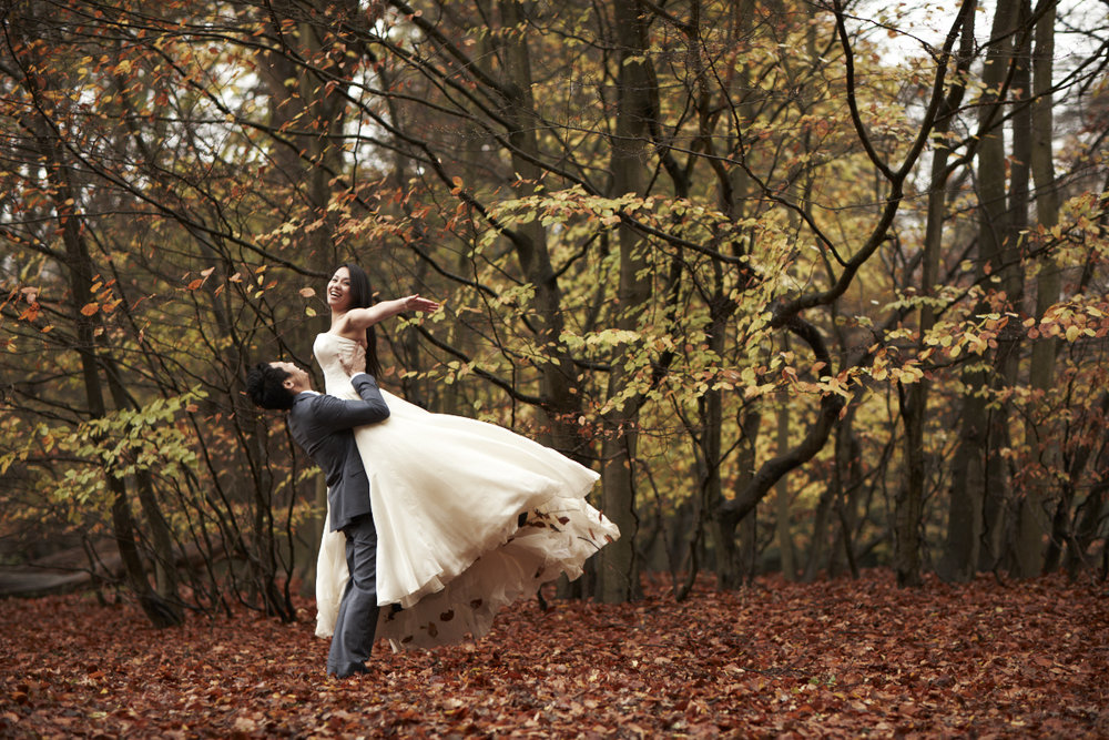 12-autumn-inspired-wedding-shoot-wellies-trash-dress.jpg