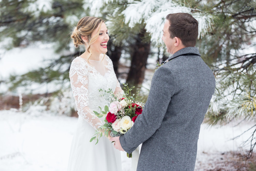winter-wedding-first-look-jessica-gabe-karlee-k-photography.jpg