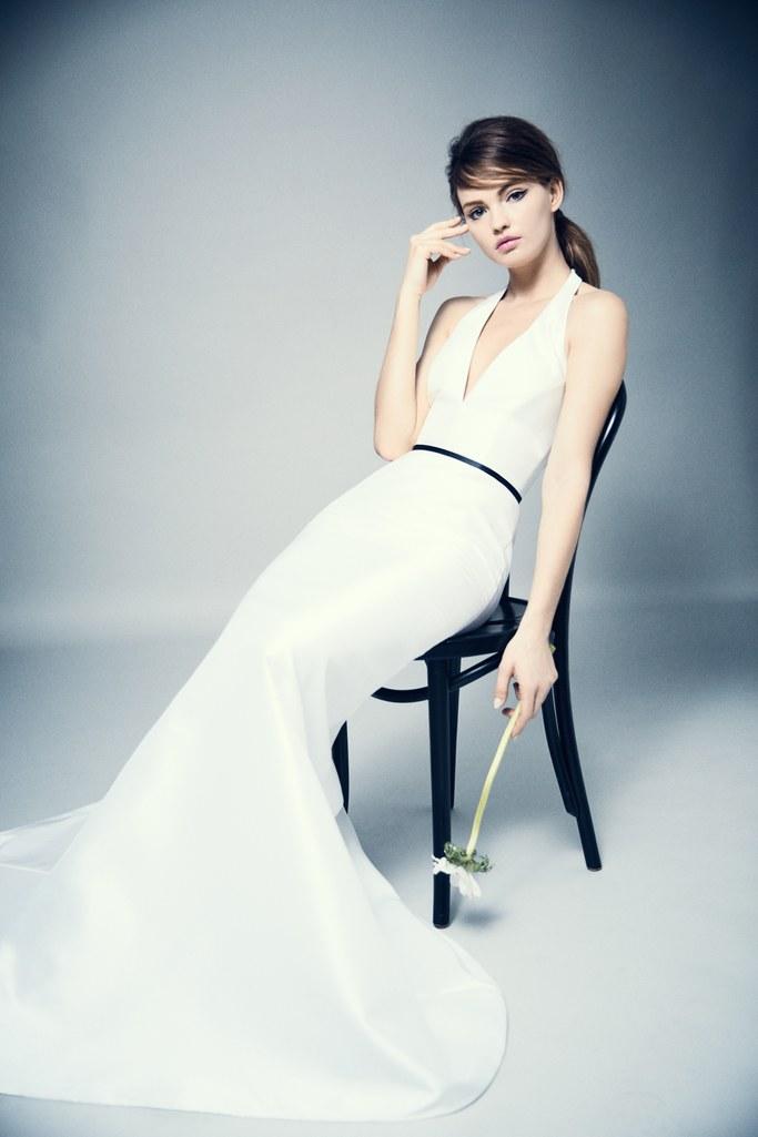 01-04-black-accents-wedding-dresses-romona-by-romona-keveza.jpg