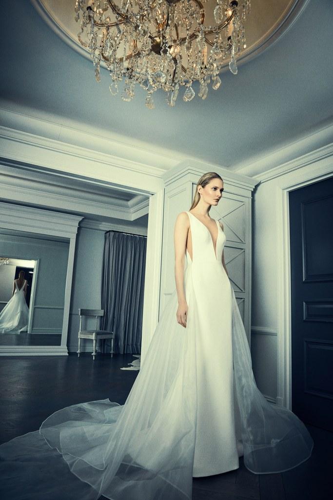 02-09-deep-deep-v-neck-wedding-dresses-romona-keveza-luxury.jpg