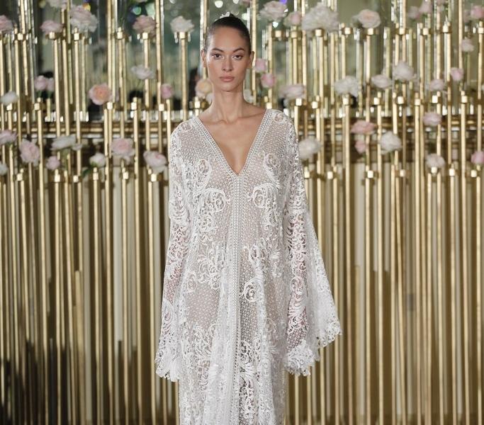 03-01-extreme-sleeves-wedding-dresses-francesca-miranda.jpg