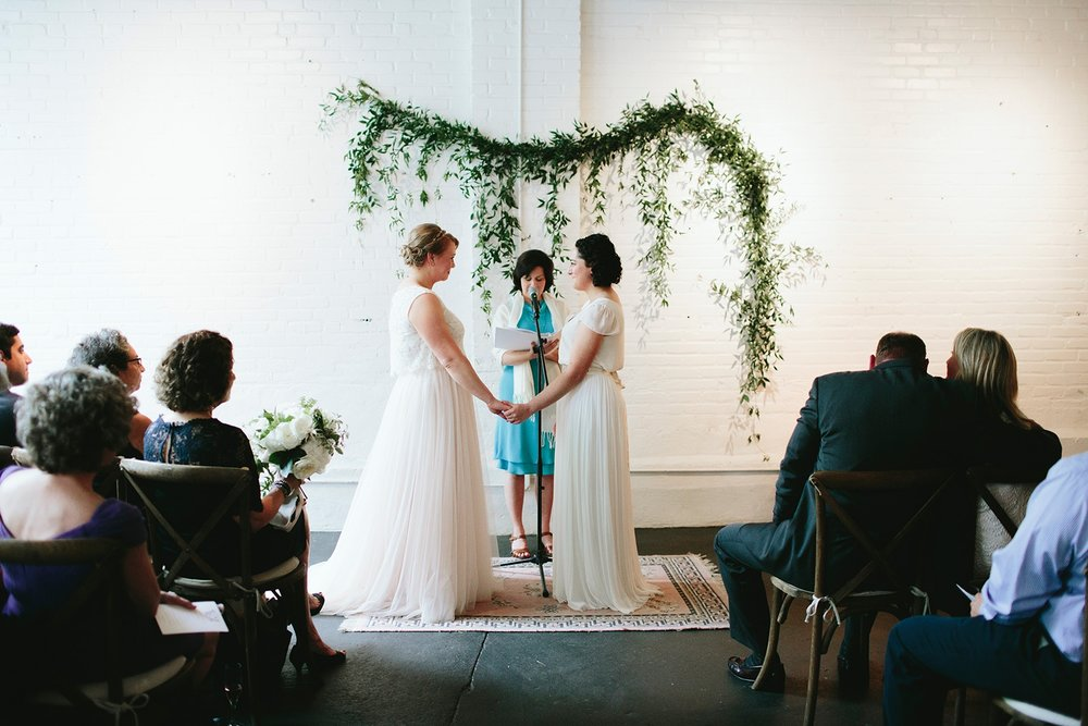 morningwild-photography-warehouse-xi-wedding-10(pp_w1600_h1067).jpg