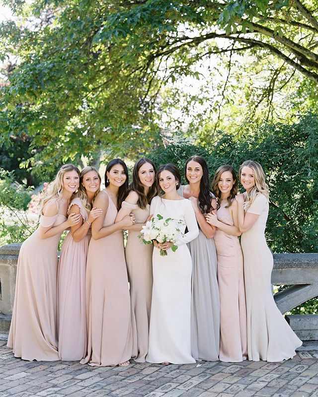 Grace & Phillip's Roche Harbor wedding is published on @stylemepretty. Event Planning + Floral Design: @kalebnormanjames | Wedding Dress: @rosaclarabridal | Hair + Makeup: @erinskipley | Venue: @rocheharborwed⠀⠀