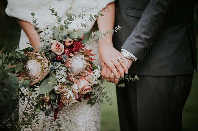 Looking for a FLORIST? You can't go past @cherishweddingflowersdubbo ... simply breathtaking!! Get in touch with the girls to weave their magic for your big day - you can find them on our website! 😍💐💖 Photo @lisaweberphotographer . #wedding #weddingday #ido #weddinginspo #bridetobe #weddedwonderland #style #centralwestwedding #dubbowedding #mudgeewedding #orangewedding #weddingdecor #weddingstyle #weddingtheme #whitemagazine #hellomay #loveislove #happy #thebridesavenue #bridalblog #bridalblogger #weddingblog #flowers #weddingflowers #bridalbouquet #weddingbouquet #florals #florallove #bridalbouqet #flowersofthday