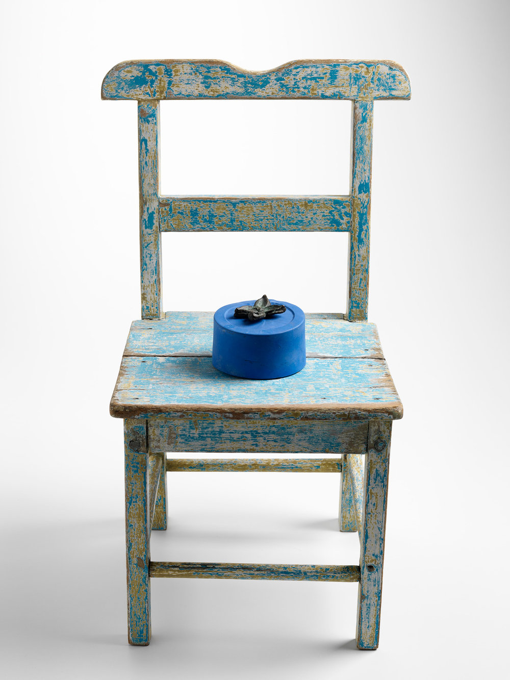 Lee Salomone,  For Yves Klein,  from the series , Works from the (found)ry, 2013-2016,  bronze, patina, chroma key blue acrylic paint, wooden chair, various paints, 55 x 27 x 28cm. Photograph by Grant Hancock.