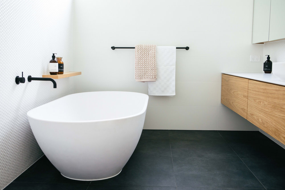 Copy of LIFESPACESGROUP_scandi_house_kascade_bath_sussextaps.jpg