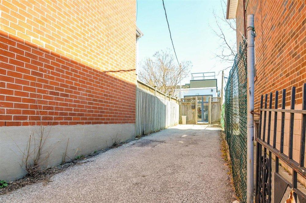 House_Entrance.jpg