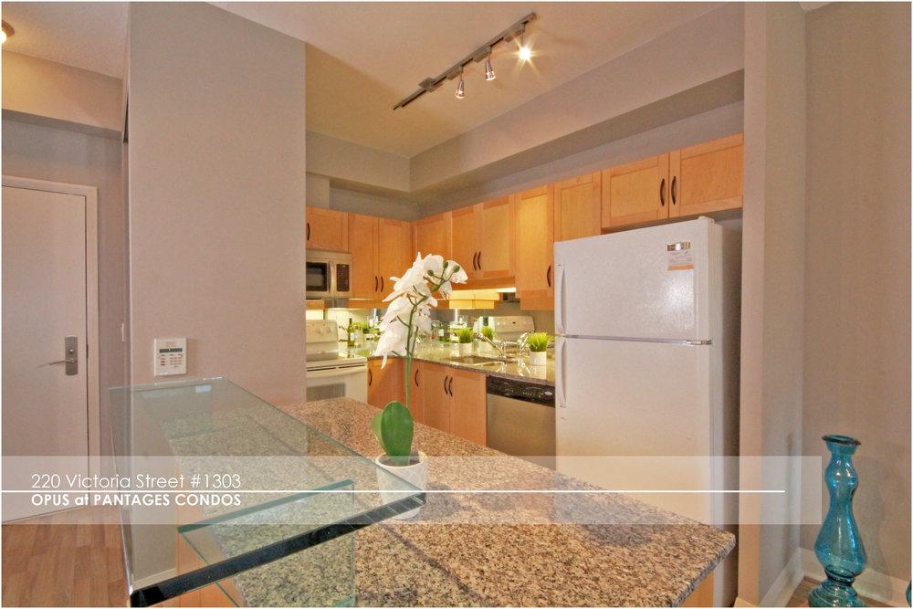 10 Kitchen.jpg