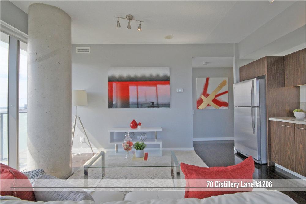 03 - Living Area.jpg