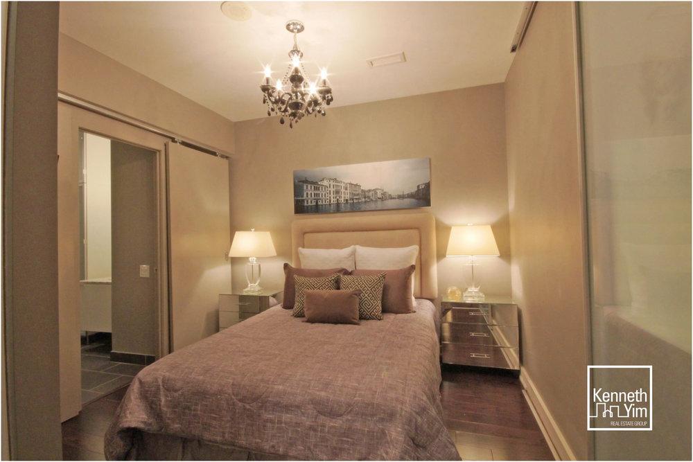 08 Master Bedroom 1.jpg