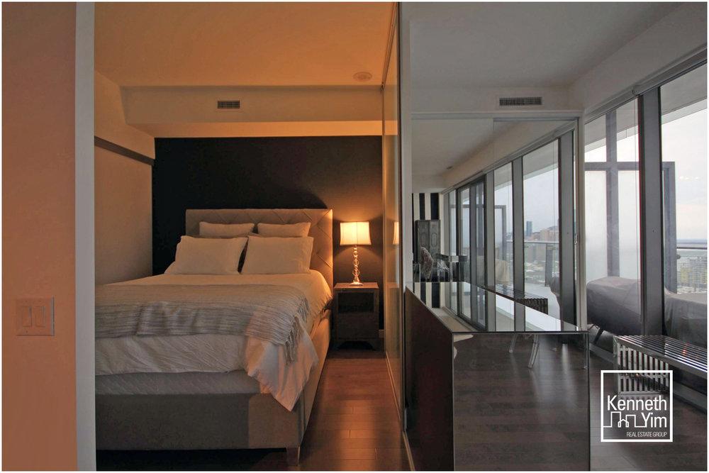 07 - Bedroom and Den Close.jpg