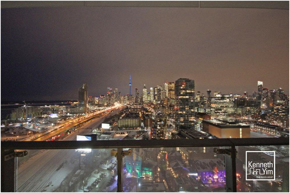 11 - View Night.jpg