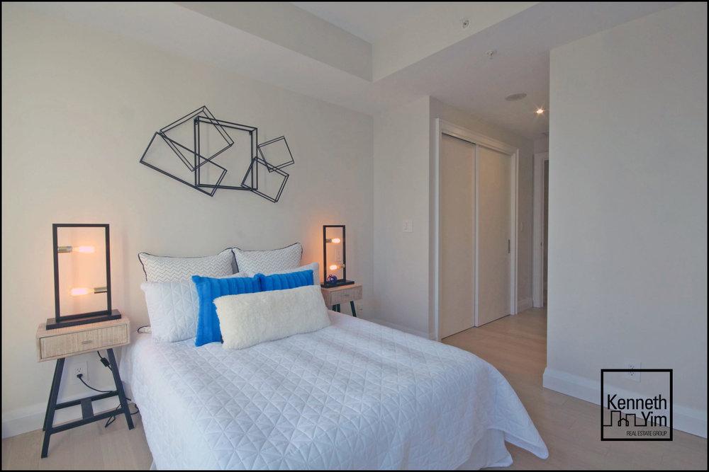 15 - Second Bedroom - IMG_0994_5_6.jpg