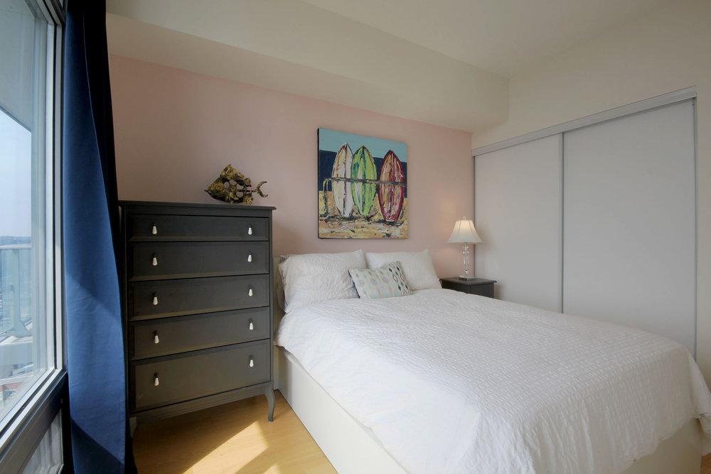 02 Bedroom.jpg
