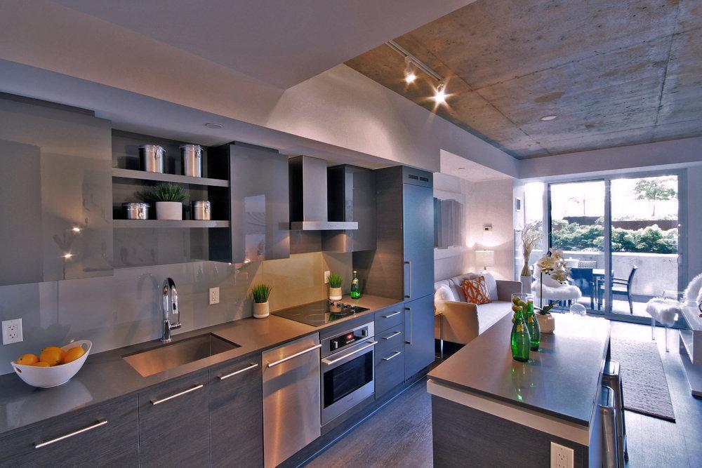 03 - Kitchen.jpg