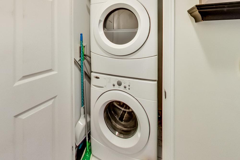 13. Washer & Dryer.jpg