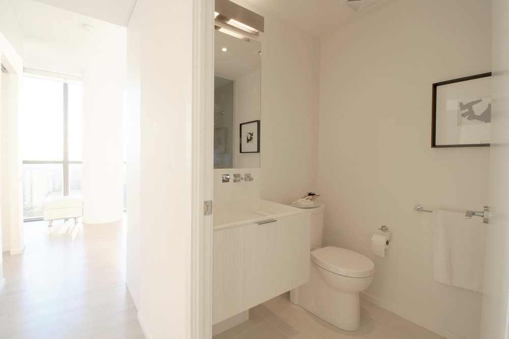 10. Bathroom.jpg