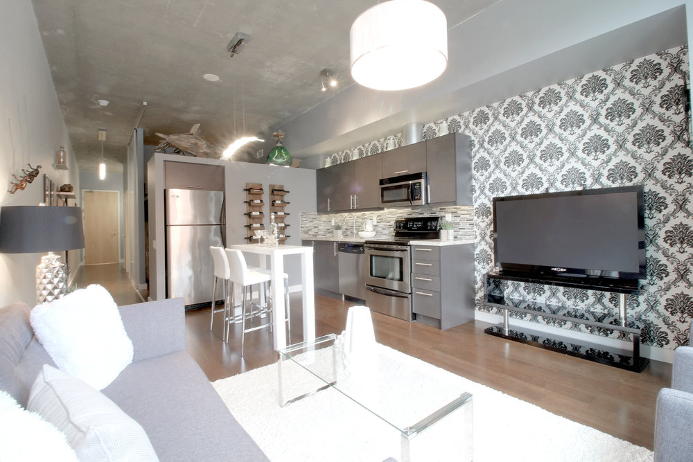 03 Kitchen.jpg