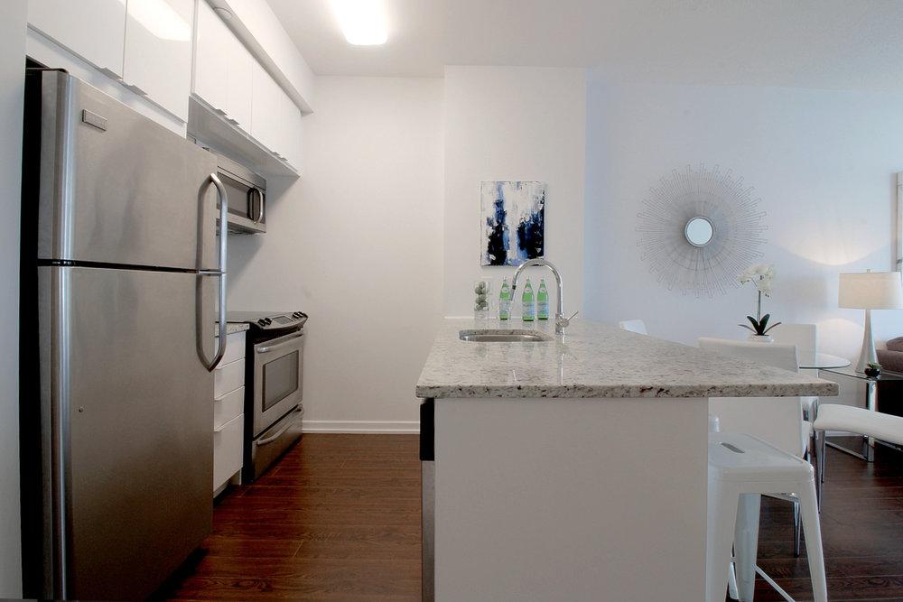 06. Kitchen.jpg