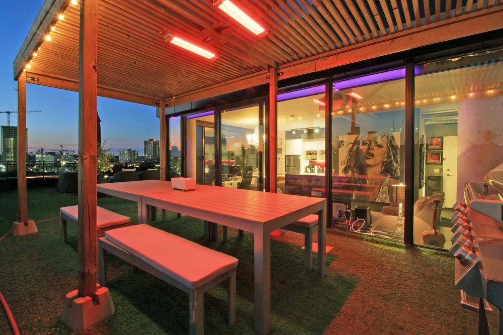 01 - Outdoor Dining 1.jpg