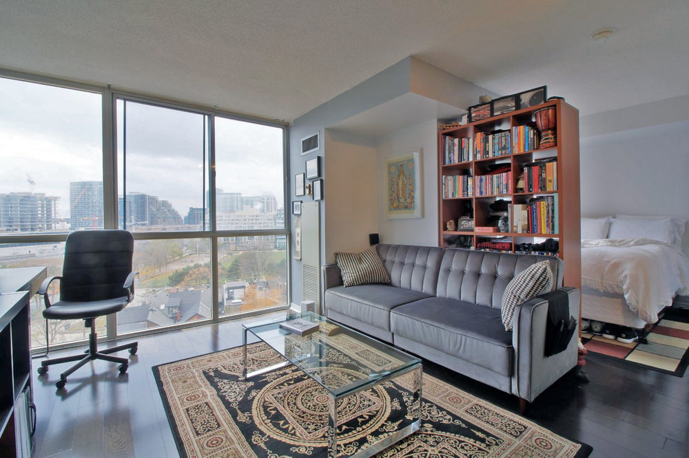 01 - 801 King Street West 907 - Living 2.jpg
