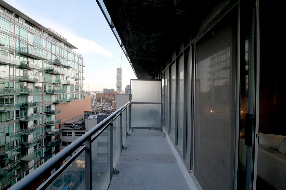 09 - Balcony.jpg