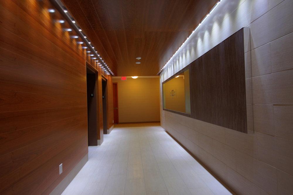 17 - Hallway.jpg