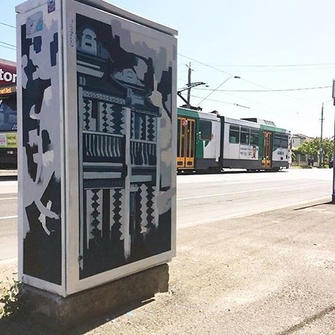 Check out this gem from another of our commissioned artists, Jimmy Mollison (@jimmmmyjam) situated in a sunny spot in the Moonee Valley. We think this piece is ace and made even better with the tram cruising by in the background. #mofproject #mooneeart #signals #publicart