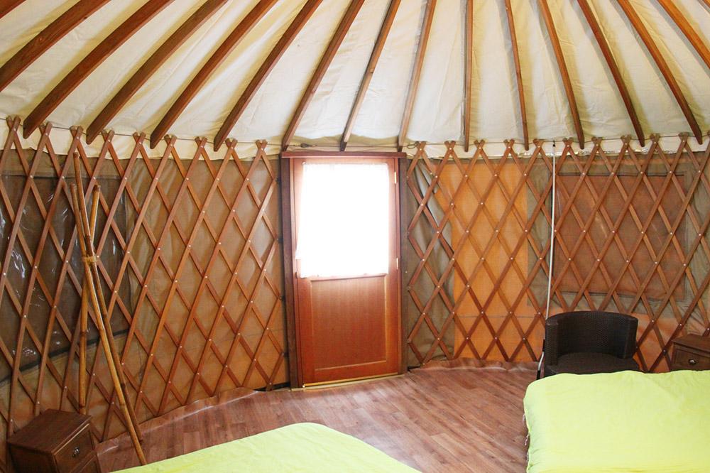 yurt202.jpg