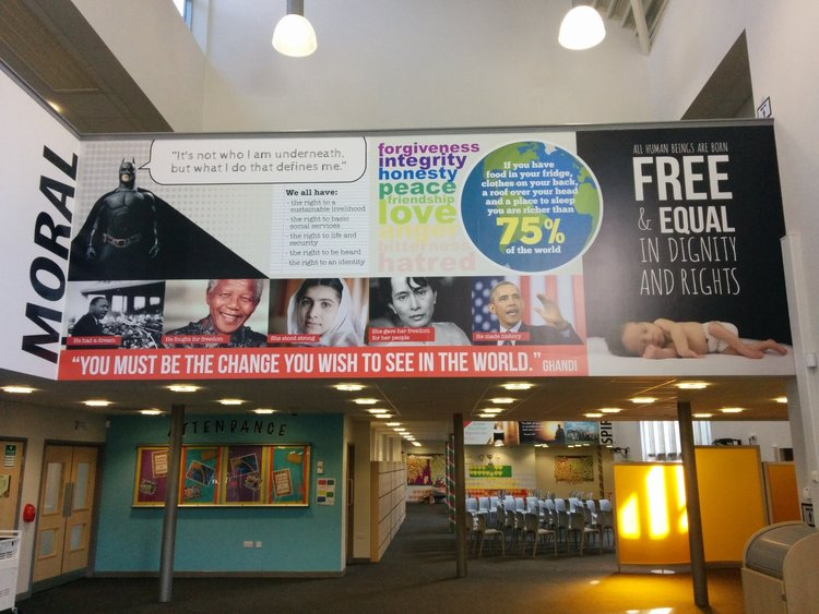 Academy 360 English wall wrap